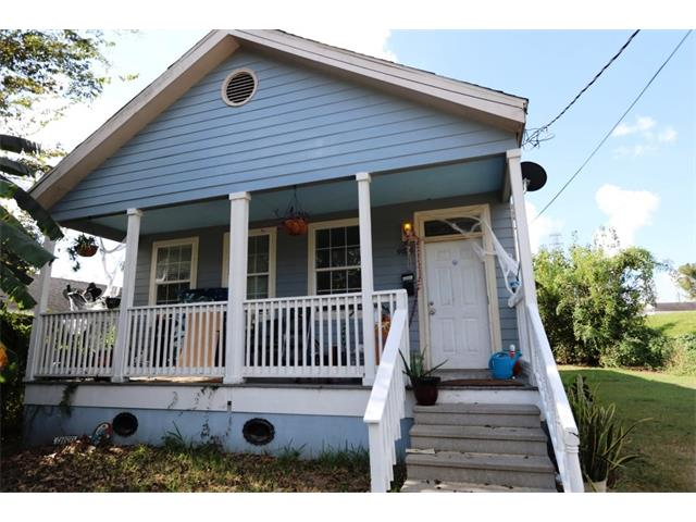 9026 GREEN Street, New Orleans, LA 70118