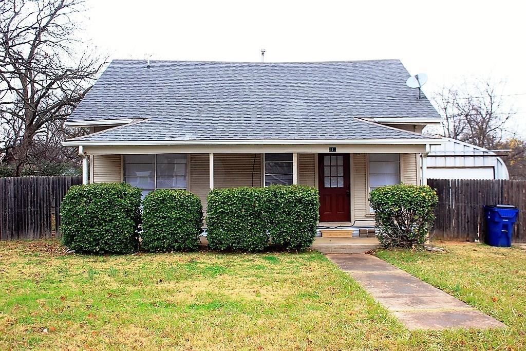 310 E Grove Street, Pilot Point, TX 76258