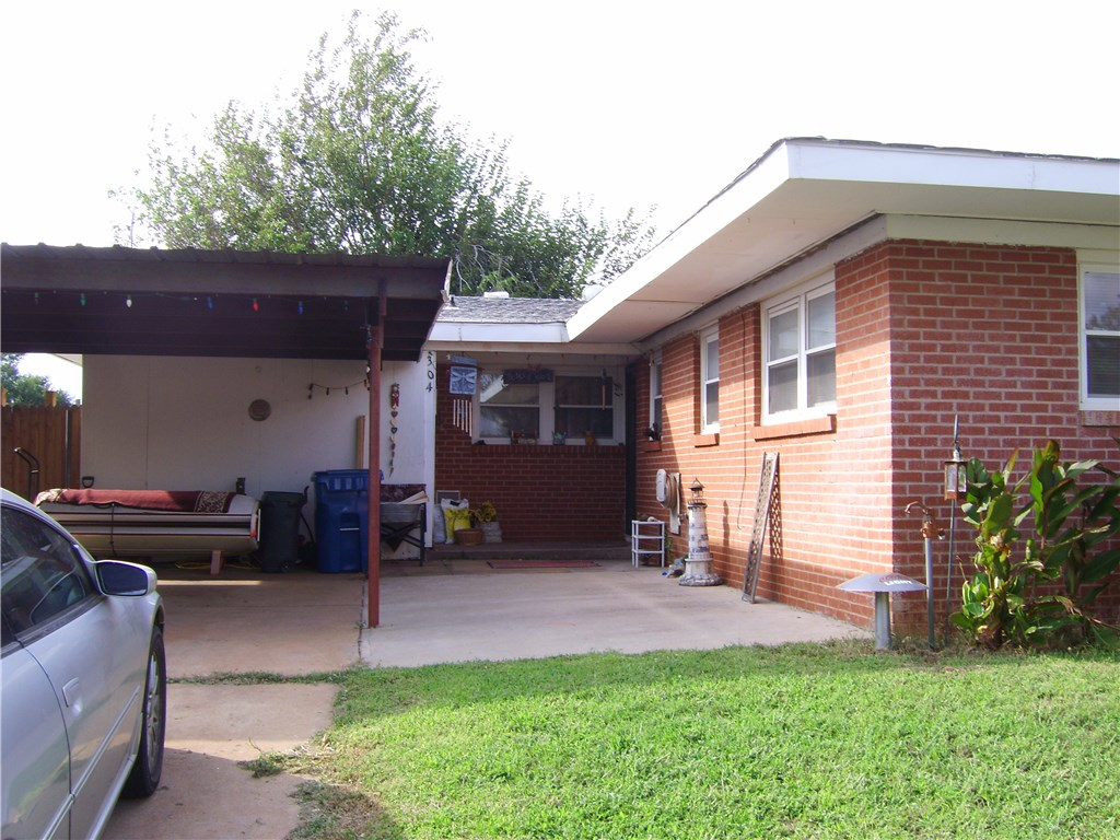 304 Potomac, Burns Flat, OK 73647