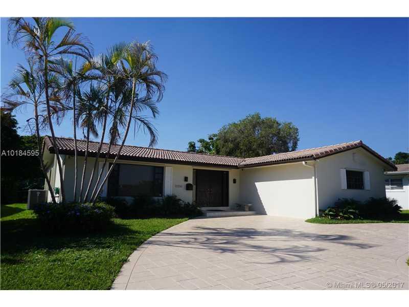 11550 N Bayshore Dr, North Miami, FL 33181