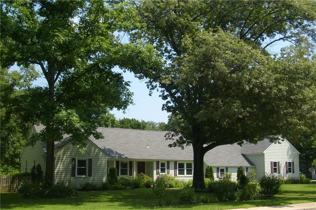27 Birchwood DR, Cumberland, RI 02864