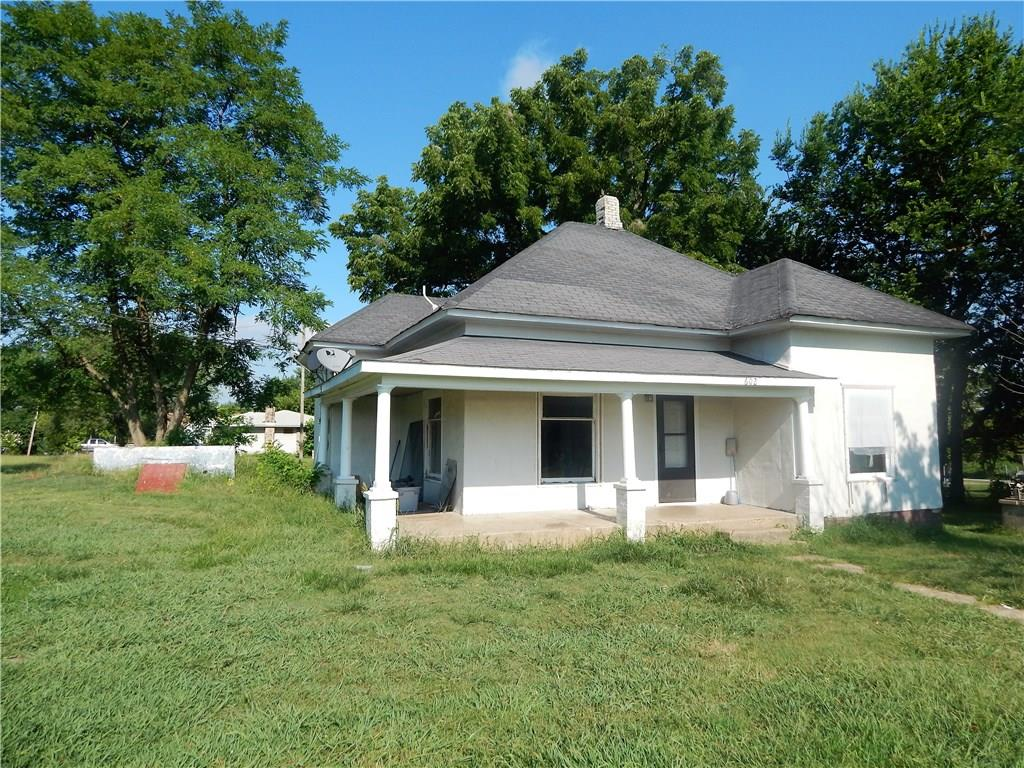 602 Springfield AVE, Green Forest, AR 72638