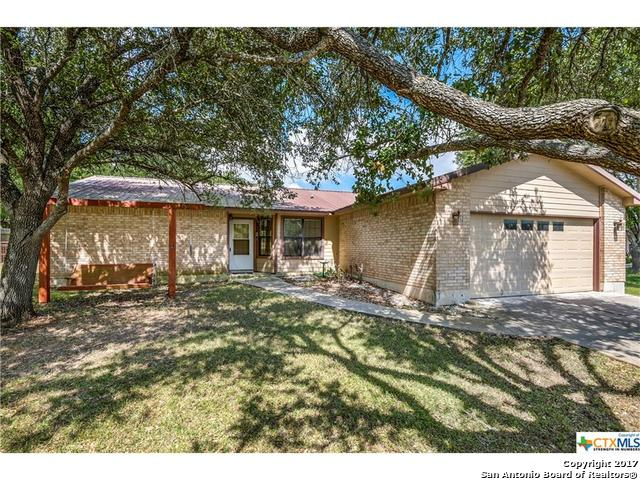 136 HIGH COUNTRY DR, Seguin, TX 78155