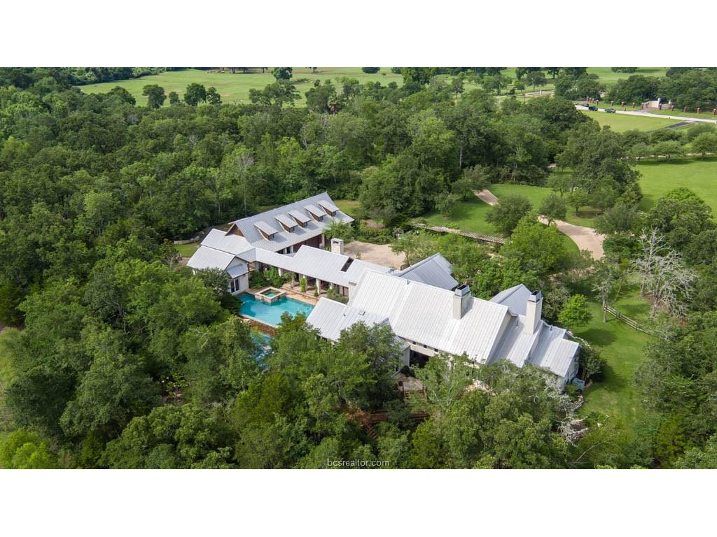 6105 Pinto Run, College Station, TX 77845