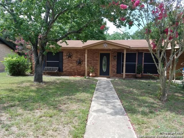 1303 LAREDO, Pleasanton, TX 78064