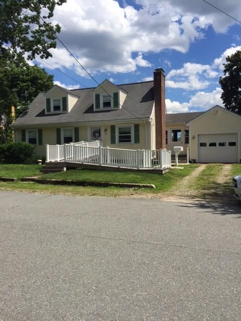 9 Woodland AV, Coventry, RI 02816