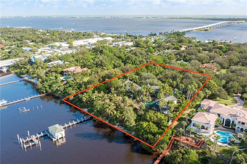 15 S River Road, Sewalls Point, FL 34996