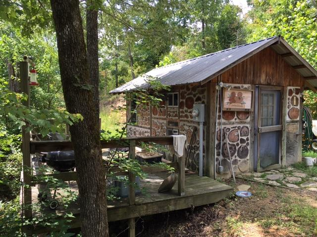 219 Red Bank Rd, Linden, TN 37096