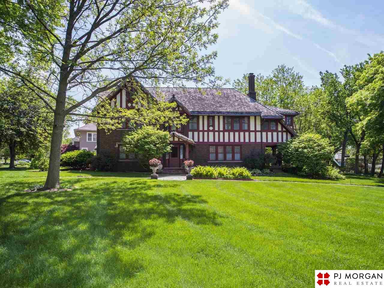 Ho home property management gosford - 110 N 54th Street