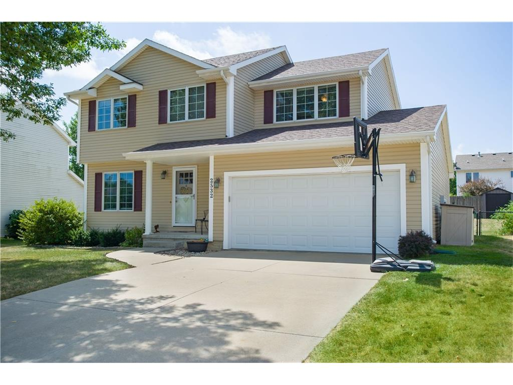 2532 NW 157th Street, Clive, IA 50325