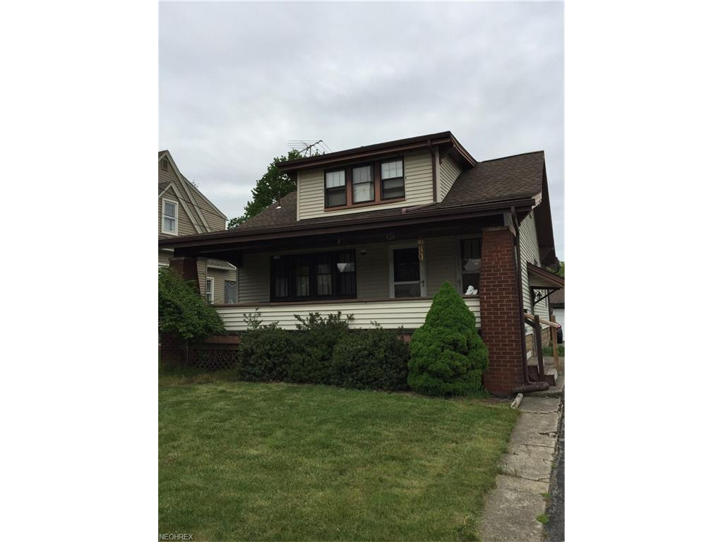 83 Como St, Struthers, OH 44471
