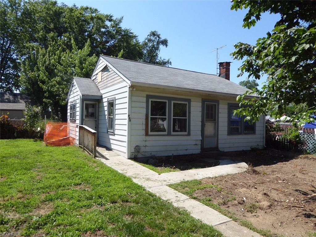 988 Hayes Ave, Willoughby, OH 44094