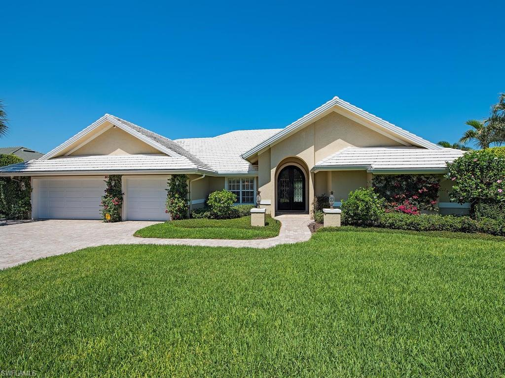 6577 Ridgewood DR, NAPLES, FL 34108