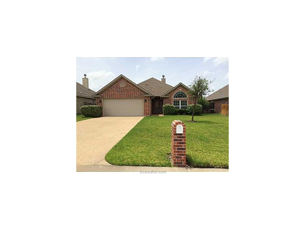102 Walcourt Loop, College Station, TX 77845