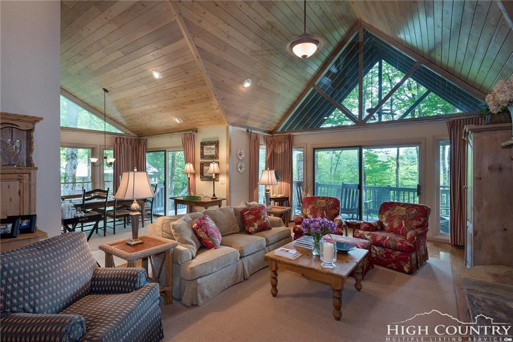 101 Woodlands Drive, Linville, NC 28646