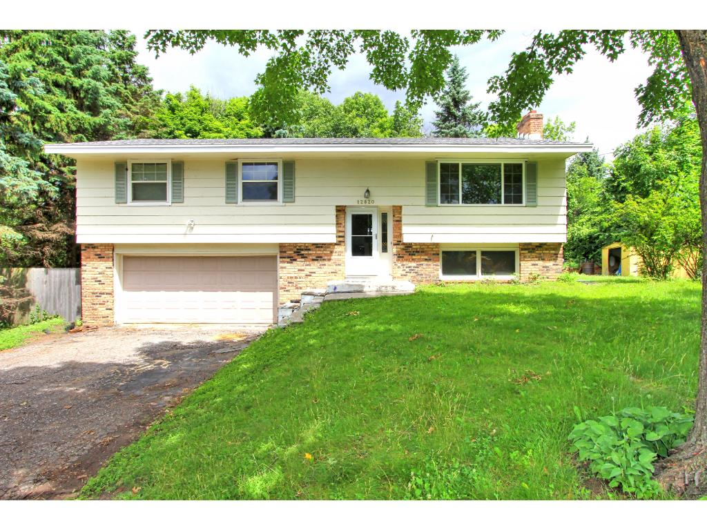 12820 Sunset Trail N, Plymouth, MN 55441