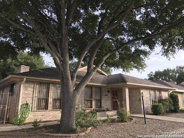 6110 Shady Creek, Windcrest, TX 78239