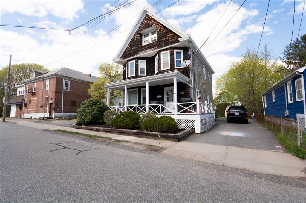 2 Princeton ST, Newport, RI 02840