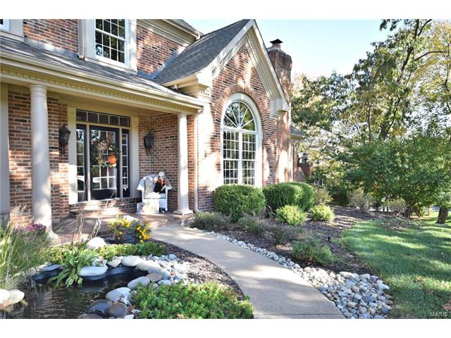 2016 Kingspointe, Chesterfield, MO 63005