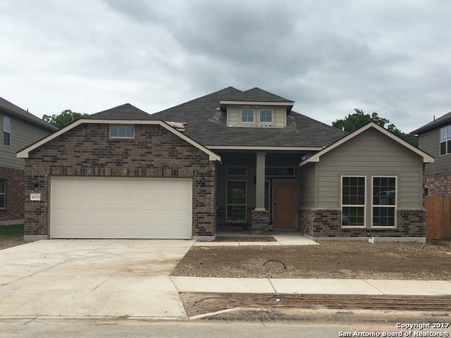 4928 Eagle Valley St, Schertz, TX 78108