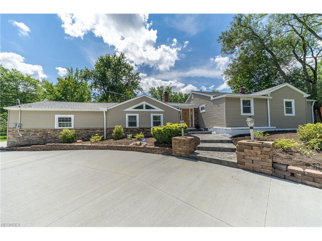 6708 Seneca Rd, Mayfield Village, OH 44143