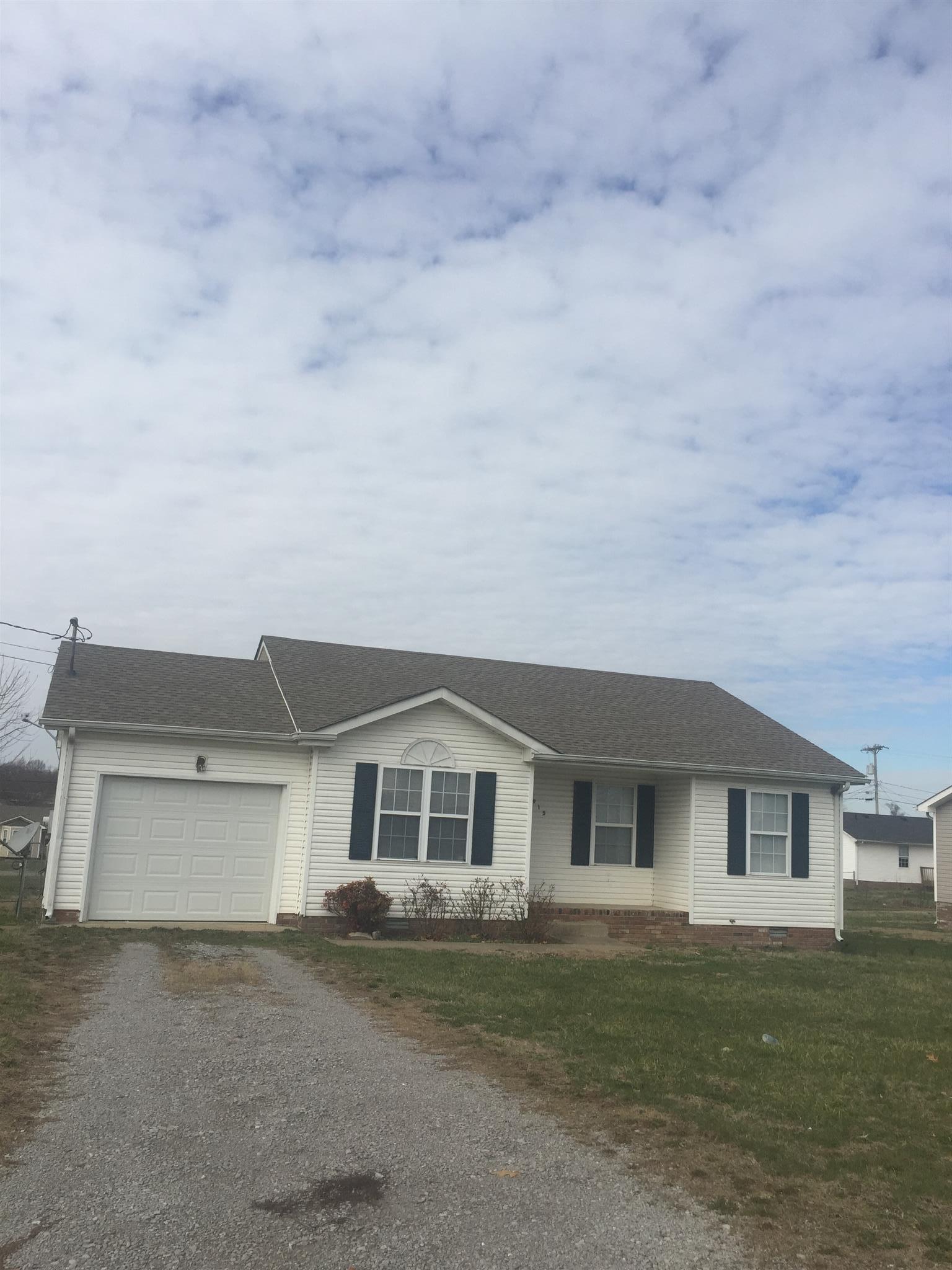 915 Van Buren, Oak Grove, KY 42262