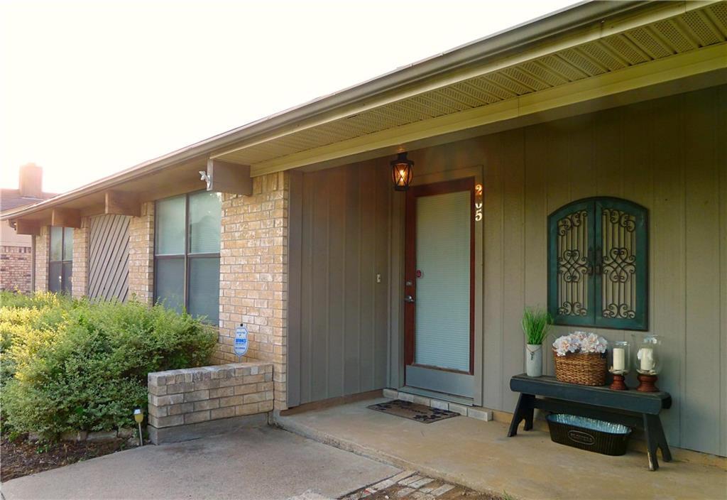 205 Stony Creek Drive, Euless, TX 76039