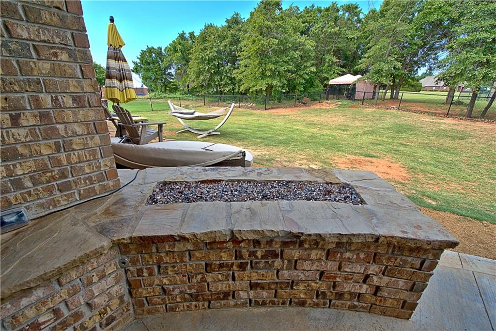 431 Hickory Hill Drive, Choctaw, OK 73020