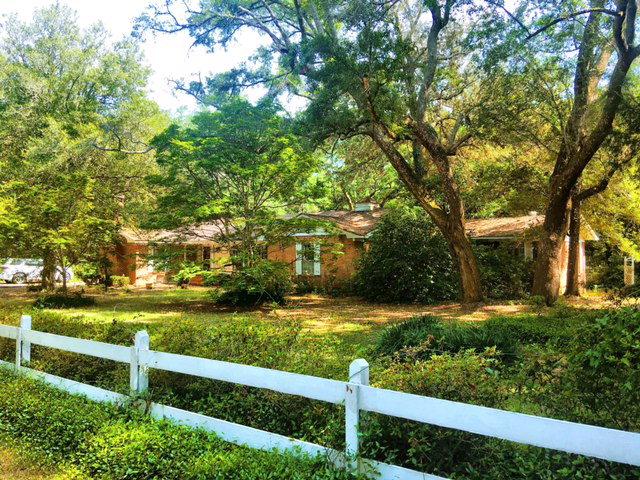 14174 Woodland Drive, Magnolia Springs, AL 36555