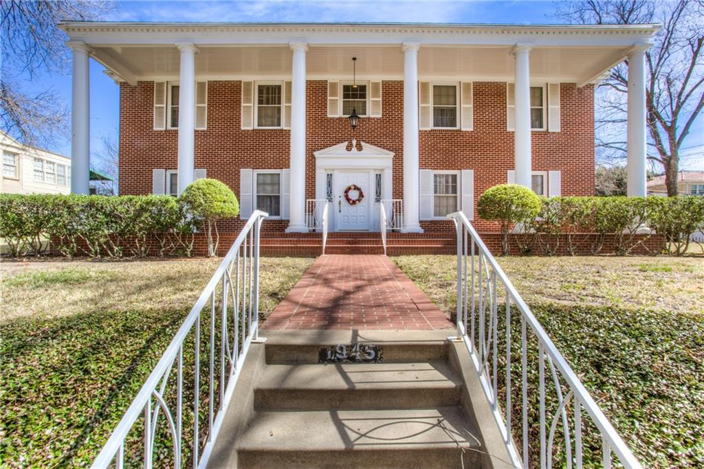 1945 Rockridge Terrace, Fort Worth, TX 76110