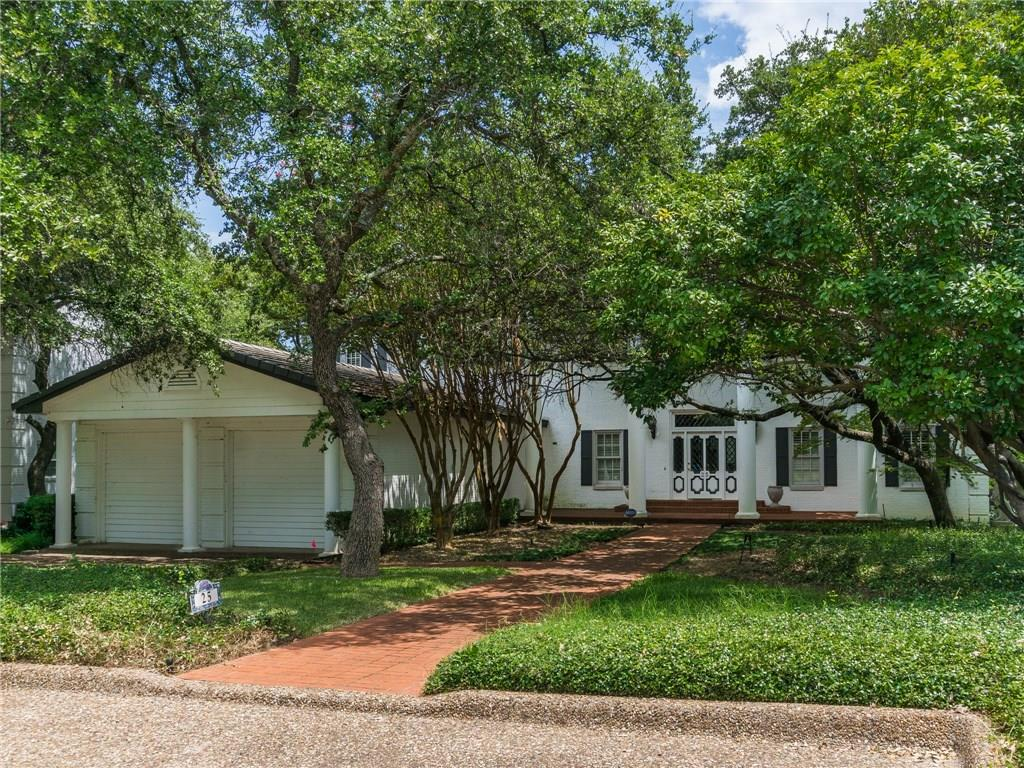 25 Harbour Point Circle, Fort Worth, TX 76179