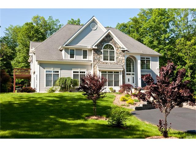 56 Wintergreen Place, Hopewell Junction, NY 12533