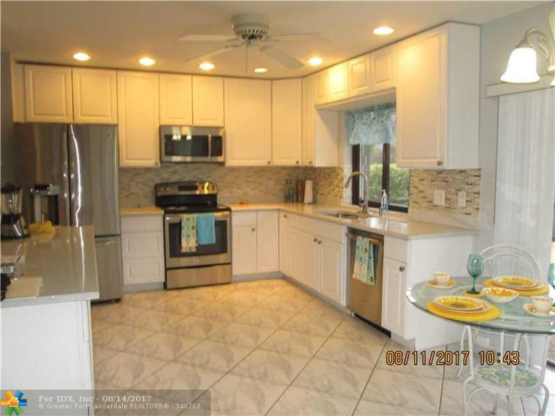 7826 Sunflower Dr, Margate, FL 33063