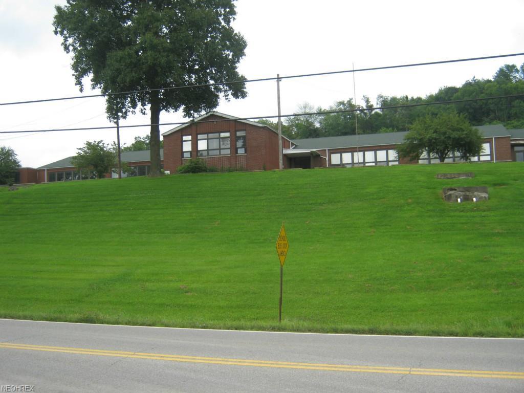 3005 Dillon School Dr, Zanesville, OH 43701