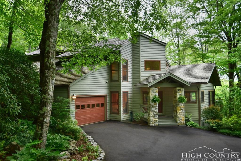 402 Woodlands Drive, Linville, NC 28646