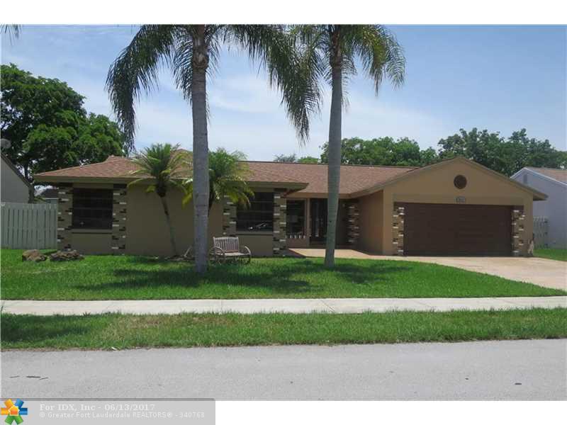 851 Monticello Ave, Davie, FL 33325