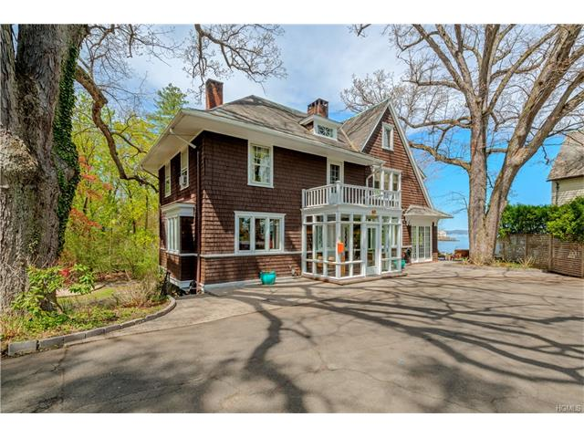 11 Voorhis Point, Nyack, NY 10960