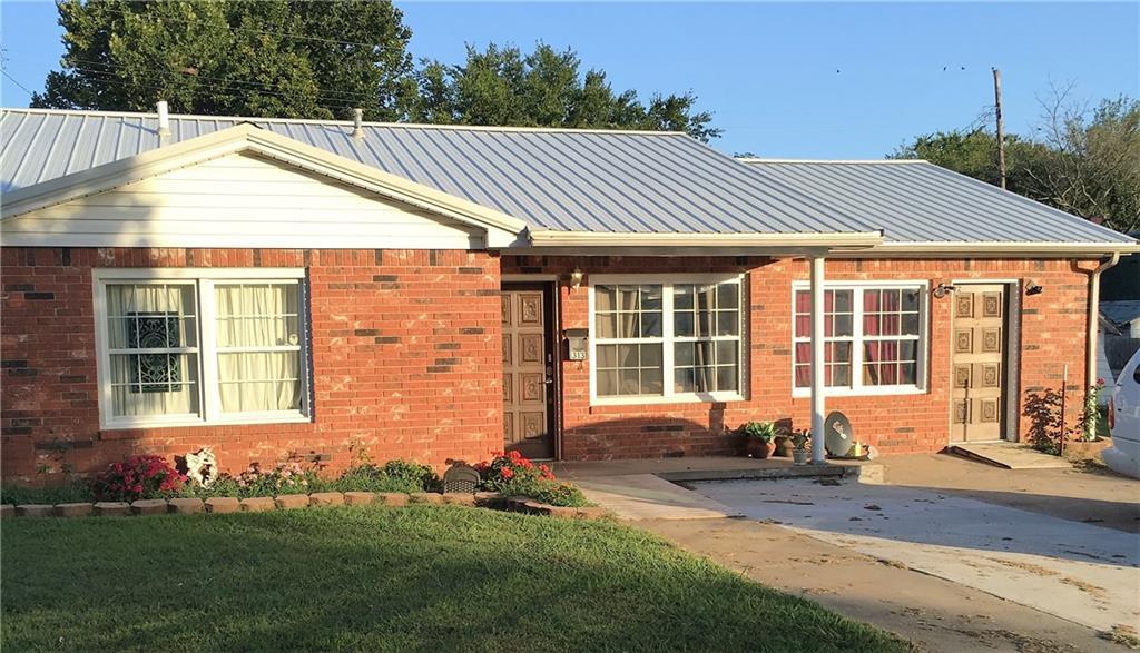 313 N Burns, Holdenville, OK 74848