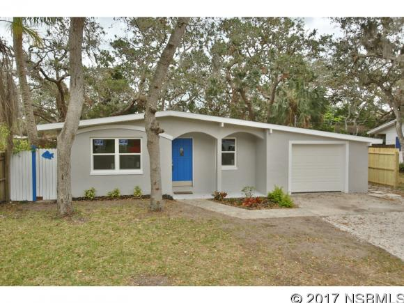 657 Pine St, New Smyrna Beach, FL 32169