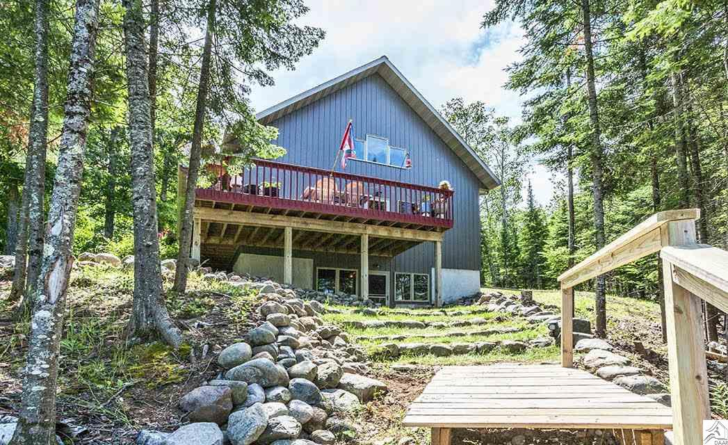 6937 Island View Dr, Duluth, MN 55803