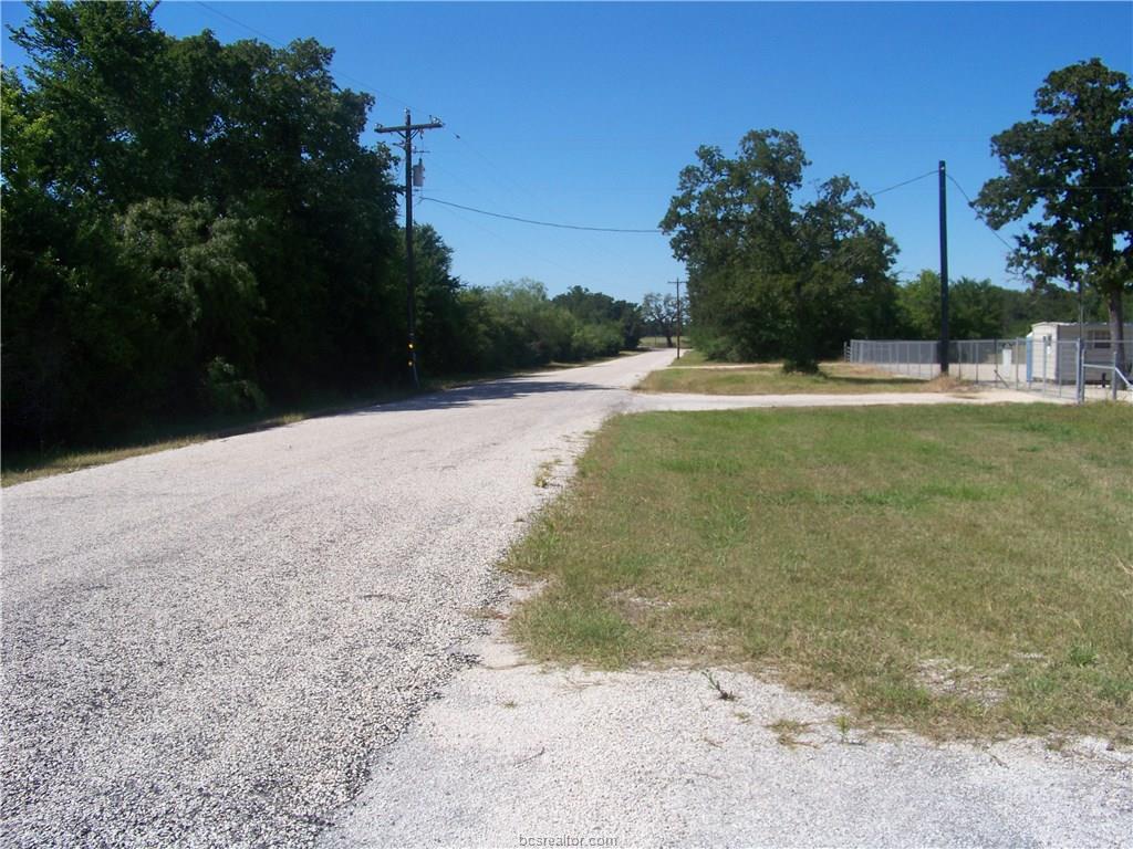 39 Matt Wright County Road, Millican, TX 77866