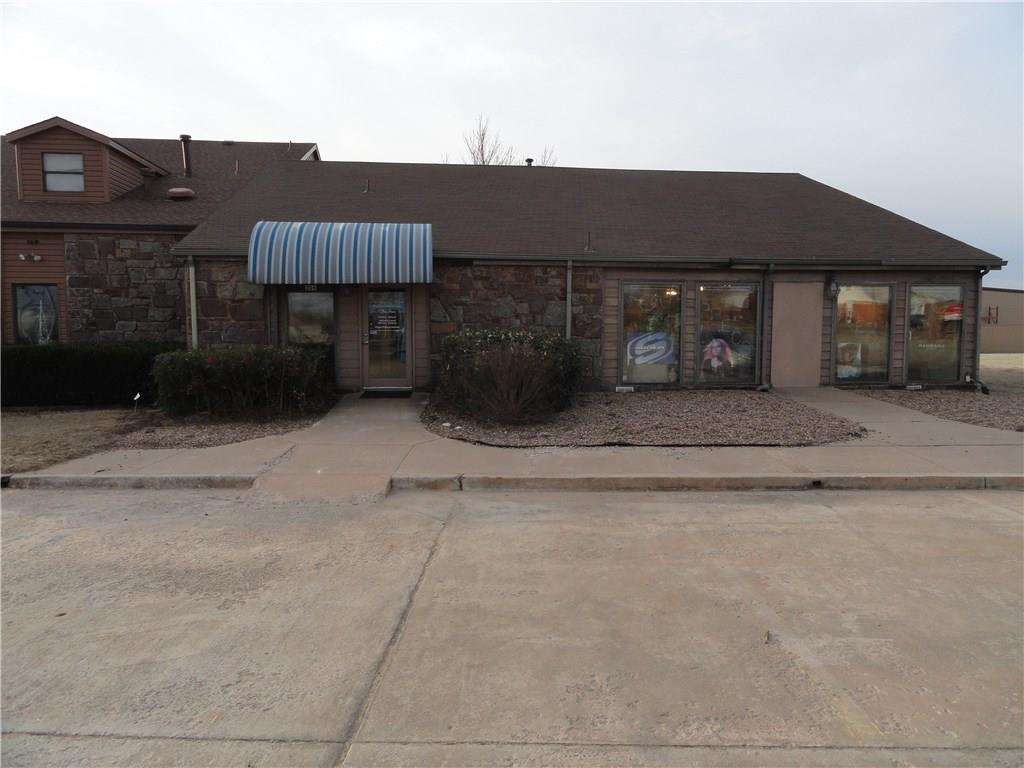 306 SE 4th Street, Moore, OK 73160