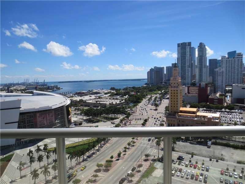 888 Biscayne Blvd 3003, Miami, FL 33132