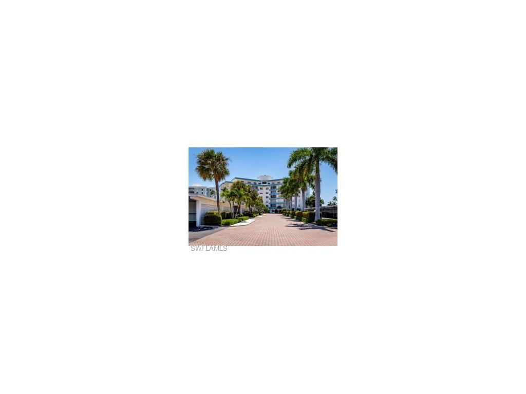 220 Seaview CT 404, MARCO ISLAND, FL 34145