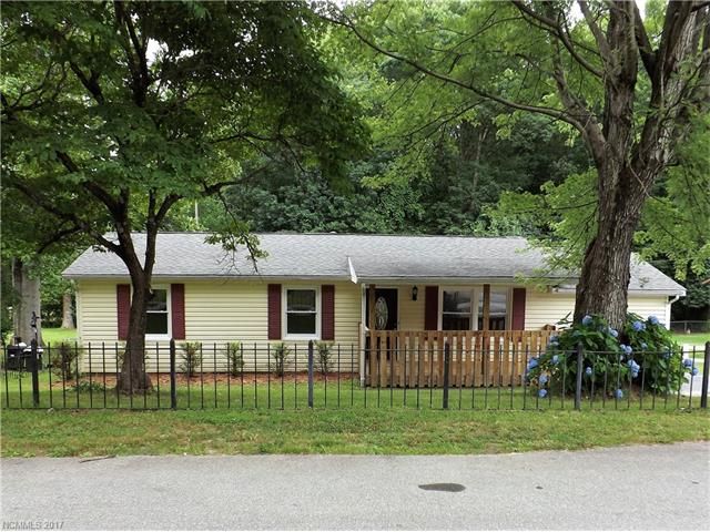 Cute, clean, and move in ready. New carpet in bedrooms, hardwoods and tile throughout. Fenced in yard for your beloved pets. Covered deck off of the breakfast area over looking the back yard and rocking chair, covered front porch.Must see to appreciate.