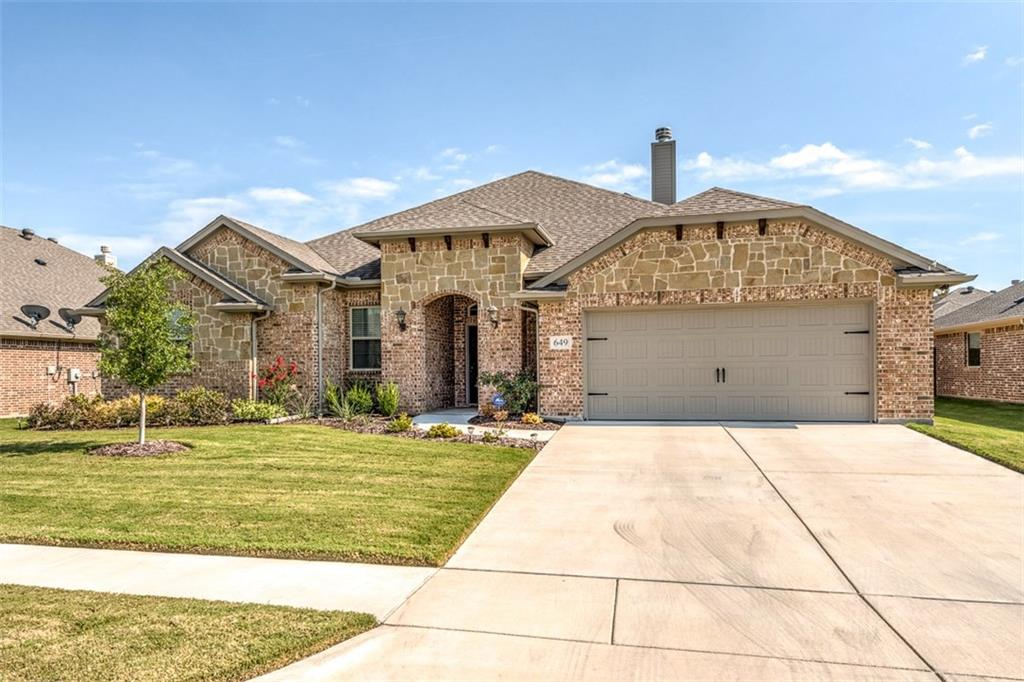 649 Creek Point Drive, Saginaw, TX 76179