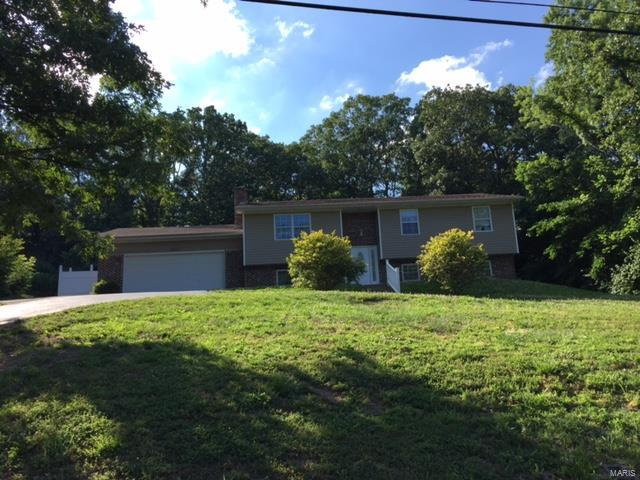 2417 Hillsboro Valley Park Road, High Ridge, MO 63049