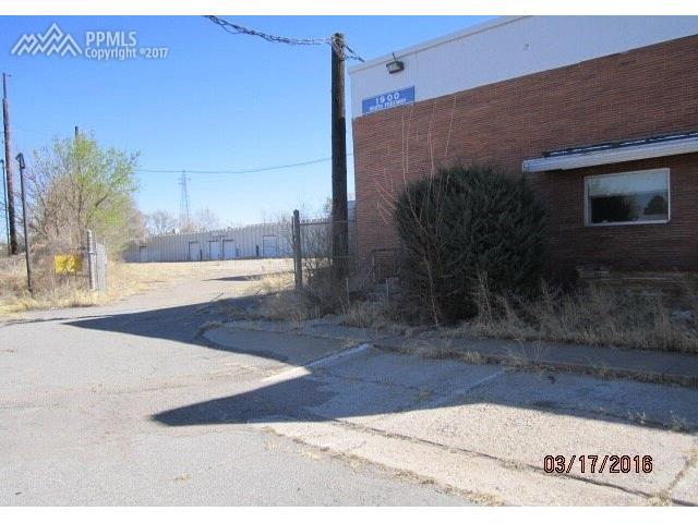 1900 S FREEWAY Avenue, Pueblo, CO 81004