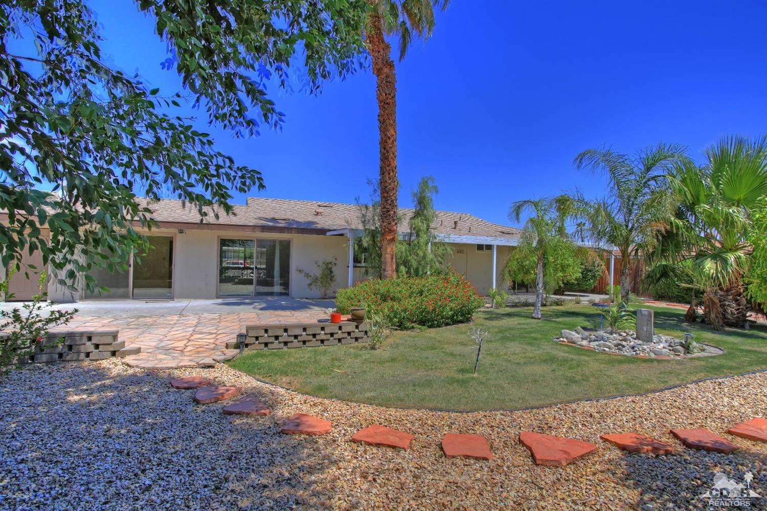 Racquet club east palm springs homes for sale for Palm spring houses for sale