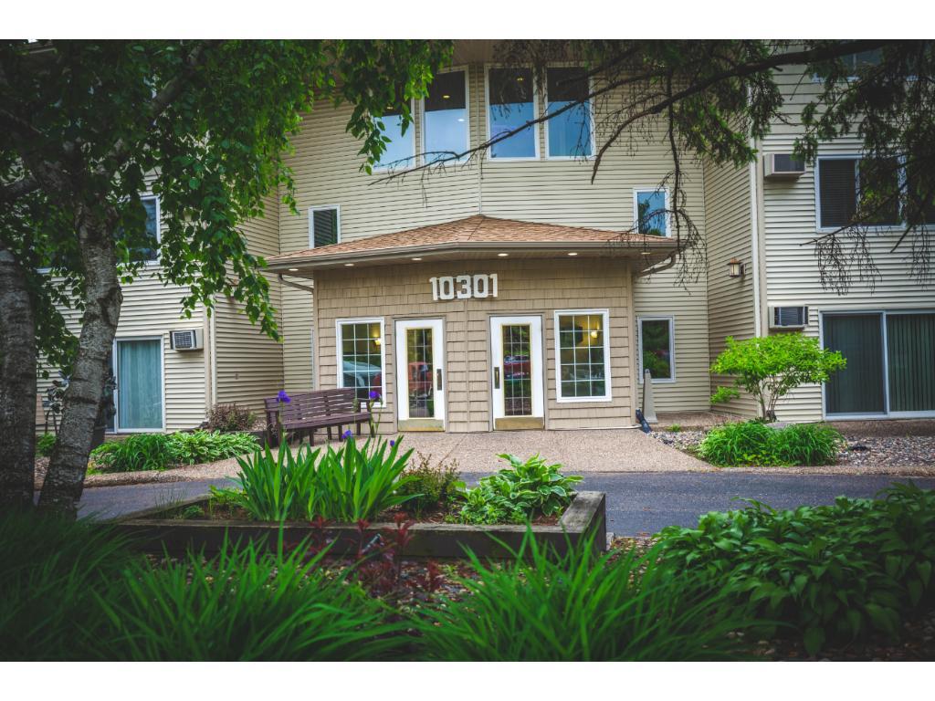 10301 Cedar Lake Road 314, Minnetonka, MN 55305